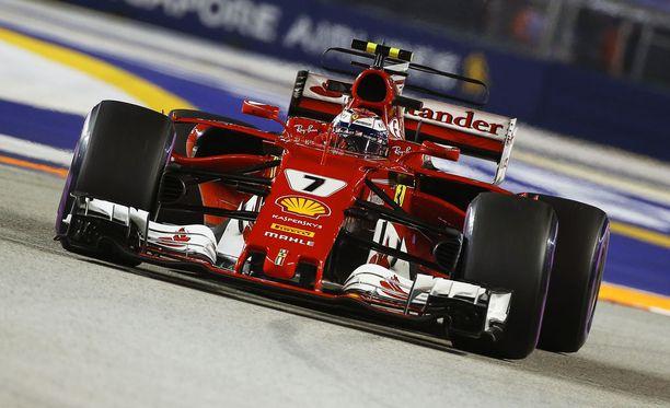 Kimi Räikkönen ei ollut erityisen huolestunut Ferrarin hitaudesta.