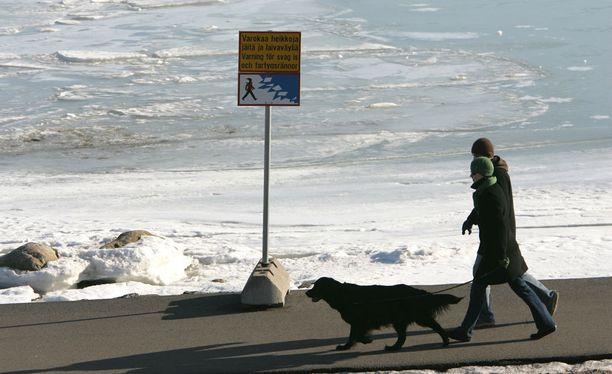 Lämpötila vaihtelee Suomessa parista miinusasteesta muutamaan plusasteeseen. Arkistokuva.