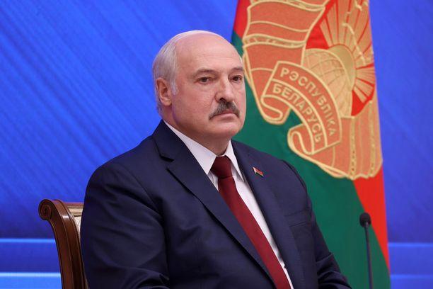 Lukašenka kiistää olevansa diktaattori.