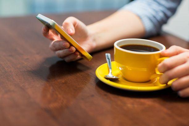 Kofeiinin piristävä vaikutus on yksilöllistä ja se kesto riippuu kofeiinin määrästä, aineenvaihdunnasta ja siitä, kuinka herkkä on kofeiinille.
