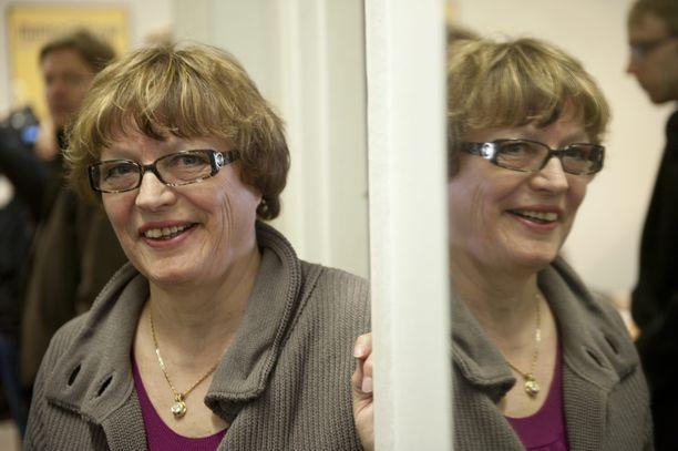 Perussuomalaiset hyydyttivät Marja-Leena Leppäsen hymyn. Hän loikkaa sinisiin.