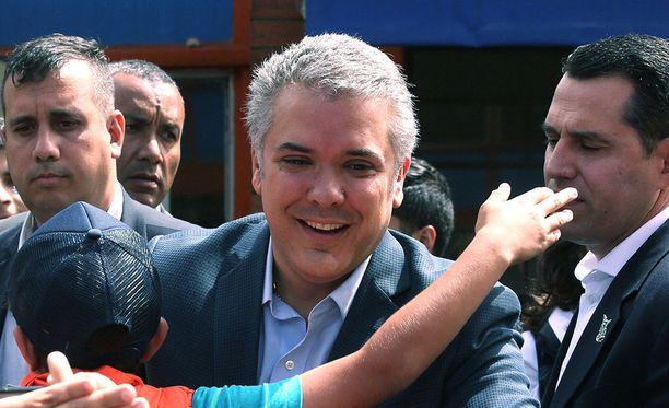 Konservatiivinen Ivan Duque, 41, nousee Kolumbian presidentiksi elokuussa.