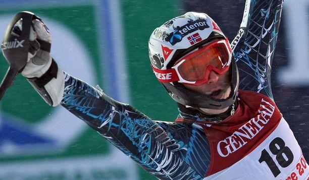 Aksel Lund Svindal vei superalppiyhdistetyn nimekkäämpien näpeistä.