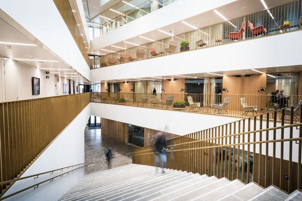 Kaikkiin kauppakorkeakouluihin haettiin samaan aikaan valintakokeella. Kuvassa on Aalto-yliopiston kauppakorkeakoulun tilat.
