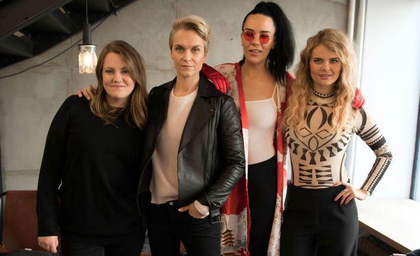 Iholla-sarjan neljännen kauden osallistujat vas. Laura Friman, Kristiina Komulainen, Sini Sabotage ja Erika Vikman.