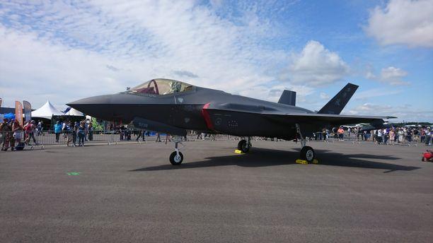 F-35 -hävittäjä on käynyt Suomessa näytillä ja testattavana. Tässä kesällä 2019 Turussa.