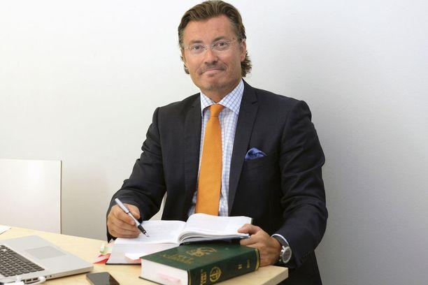 Valmennuskeskuksen toimitusjohtaja Janne Nousiainen sanoo, että jos hallituksen uudistus etenee, valmennuskursseja järjestävät tahot tarjoaisivat kursseja jo yläkouluikäisille.
