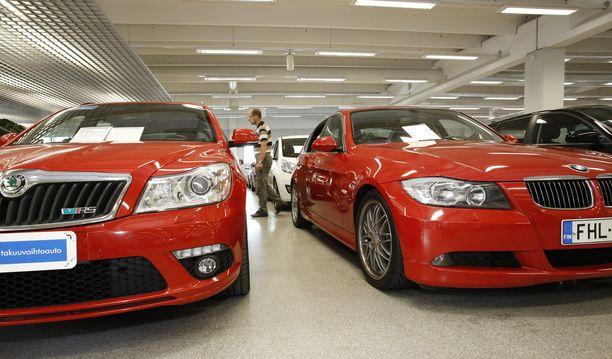 Skoda Octavia on yksi haetuimpia automalleja, mutta BMW-mallit jäävät naisten listalla häntäpäähän.