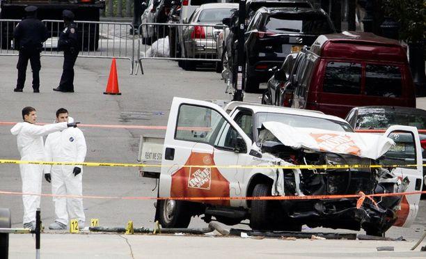 Iskussa käytetty auto oli vuokrattu vain tuntia ennen hyökkäystä New Jerseyn puolelta.