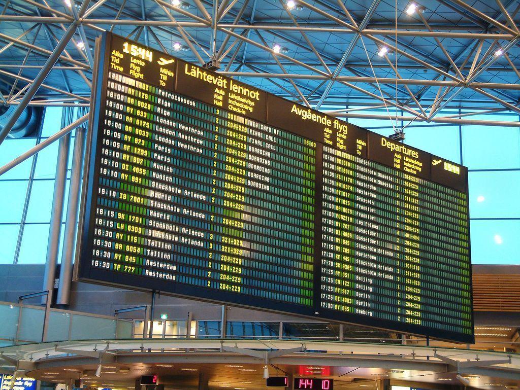 Juoksutusta kentällä, tyly vastaus lähtöportilla, yli neljän tunnin odottelu - Juha, 42, suivaantui toistuvasti myöhästeleviin Turku-Helsinki-lentoihin