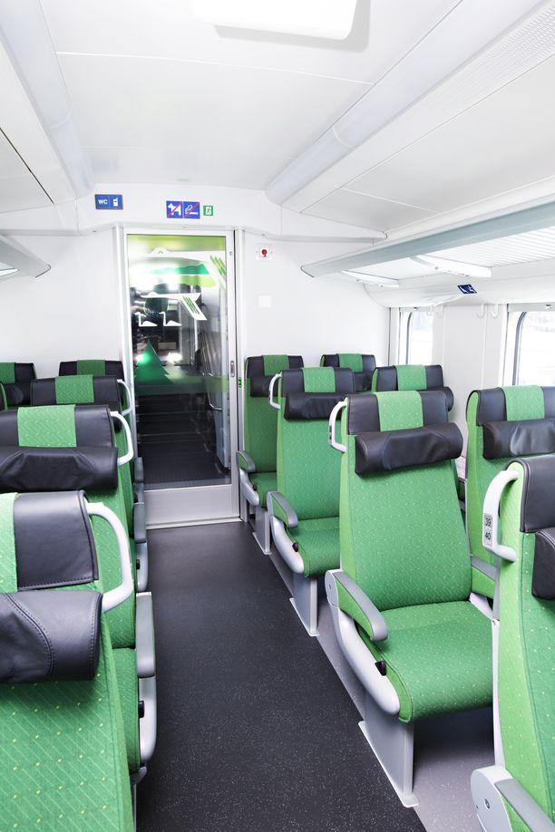Lukuisat Intercity-junat ovat myöhässä aikataulustaan ympäri Suomen.