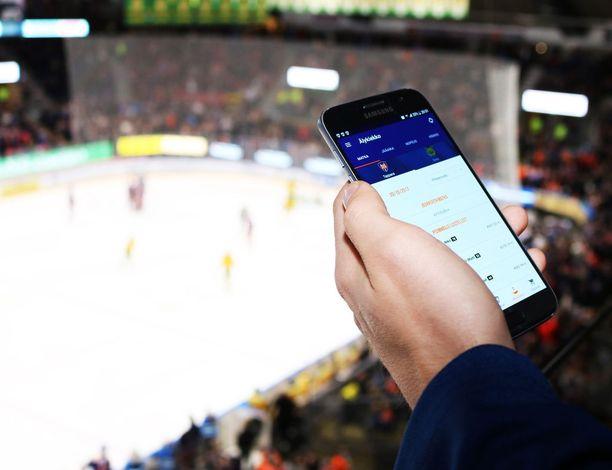 Tapparan uusi älykiekkosovellus palvelee Android-käyttäjiä Hakametsän jäähallissa Tapparan matseissa. Otteluiden jälkeen sovellus toimii myös Hakametsän ulkopuolella.