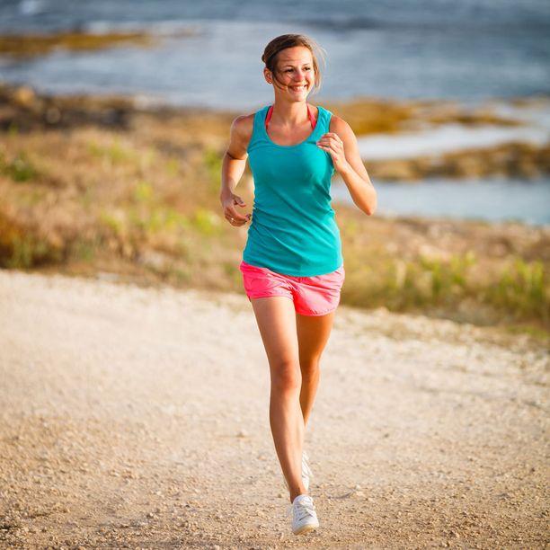 Bodil Jönsson karsisi työtunteja ja soisi ihmisille enemmän aikaa vaikkapa luonnon helmassa juoksemiseen.