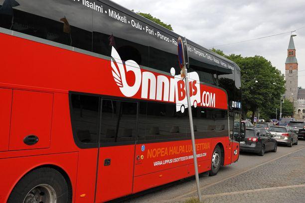 IL:n lukijan ja Varkaus-Helsinki väliä liikennöineen bussinkuljettajan tarinat eroavat roimasti toisistaan.