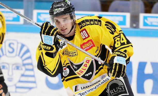 Jyri Junnila teki KalPan voittomaalin ylivoimalla toisessa erässä.