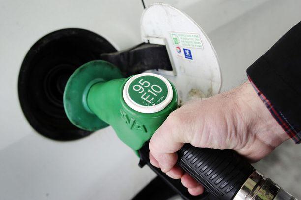 95E10-bensiinin hinta on noussut reippaasti huhtikuun puolivälin jälkeen.