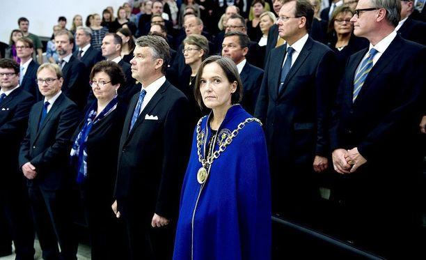 Tampereen yliopiston rehtori Liisa Laaksoa ei valittu keväällä Helsingin yliopiston rehtoriksi. Hän pitää prosessia epäammattimaisena ja mahdollisesti syrjivänä.