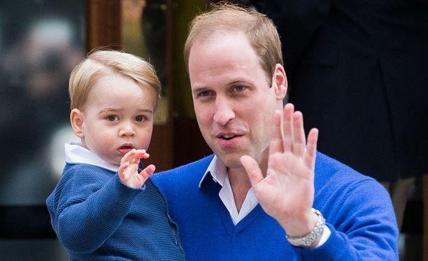 Prinssi Georgen synttäreillä nähdään isän, prinssi Williamin työstä muistuttava helikopterikakku.