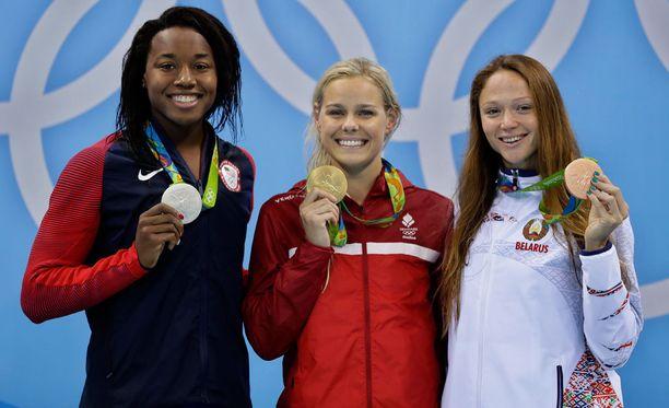 Simone Manuel, Pernille Blume ja Aleksandra Herasimenia muodostivat kärkikolmikon Rion olympialaisten 50 metrin vapaauinnissa. Tilastot kuitenkin asettavat Manuelin ja Herasimenian mitalit kyseenalaiseen valoon.