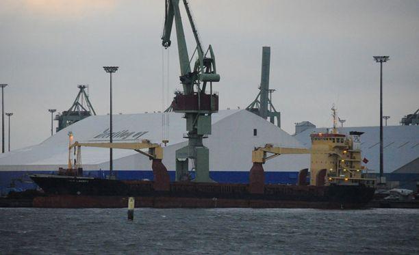 Ohjuslaiva Thor Liberty pysyi tarkassa vartioinnissa vuorokauden ympäri vuoden 2011 lopulla. Tapauksen esitutkinta on nyt lopetettu.