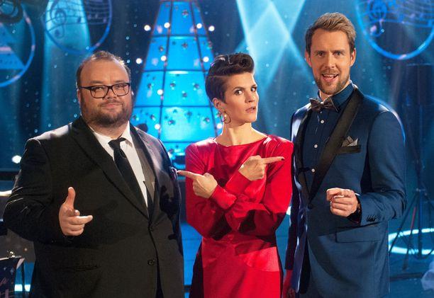Sami Pitkämö, Maria Ylipää ja Waltteri Torikka nähdään Svengaavassa joulussa Tampere-talon lavalla.