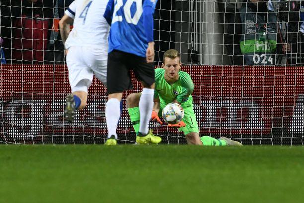 Lukas Hradecky piti nollan.