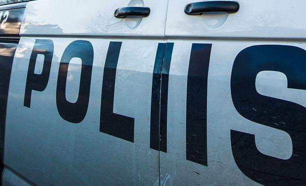 Poliisi ohjasi paikalla liikennettä, mutta liikenne on nyt jo palautunut normaaliksi.