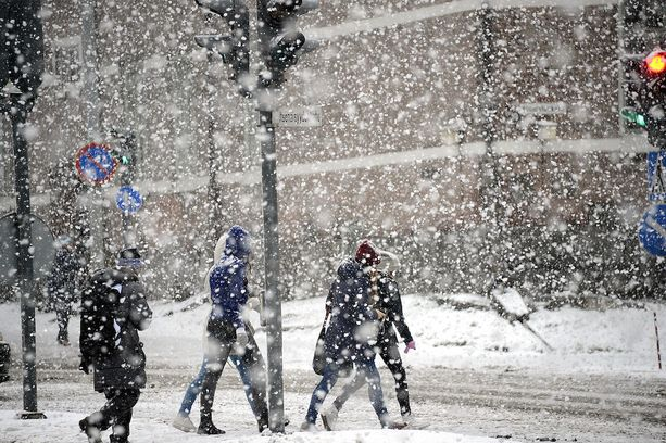 Etelä-Suomeen on luvassa runsasta lumisadetta.