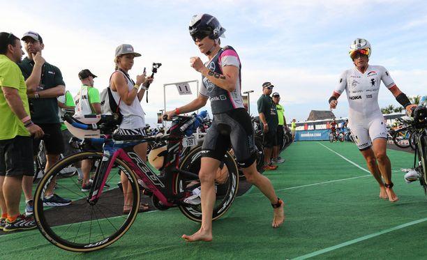 Kaisa Lehtonen sanoi aloittaneensa pyöräilyosuuden hieman liian kovaa.