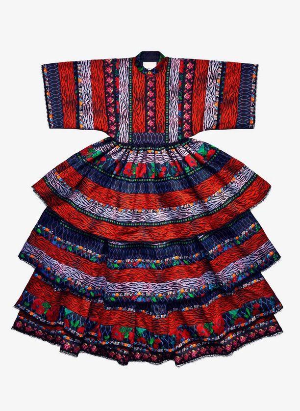 Upeasti koristeltu mekko on malliston kallein tuote, 399 e