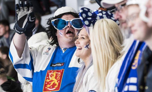 Lärvinen ja muut suomalaiset pitivät kovaa metakkaa Pietarissa.