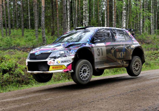 Kalle Rovanperä on voittanut molemmat ajamansa SM-rallit Toni Gardemeisterin tiimin Skoda Fabia R5:llä.
