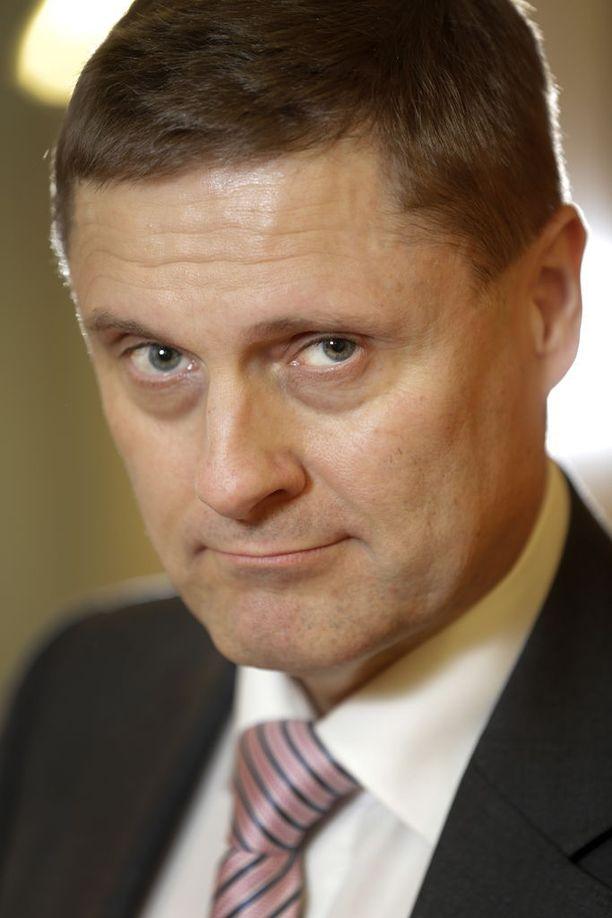 Veronmaksajain Keskusliiton toimitusjohtajan Teemu Lehtisen mukaan on parempi verottaa haittoja kuin hyödyllisiä asioita, kuten työntekoa.