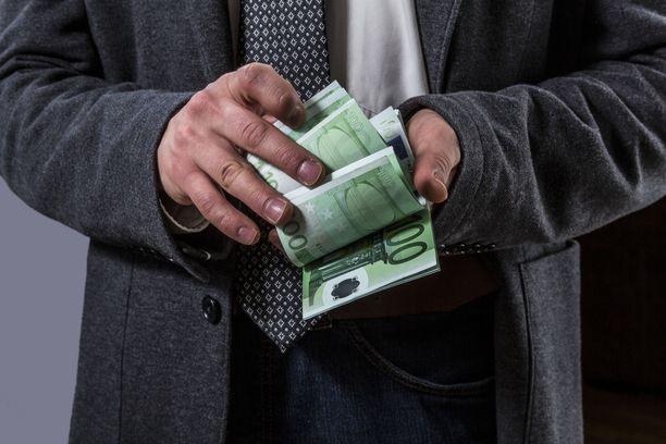 Kaikkien suomalaisten verotiedot ovat lain mukaan julkisia. Myös miljonäärien.