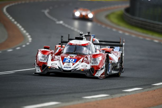 Dennis Andersen tippui heti takaa-ajaksi Le Mansissa.