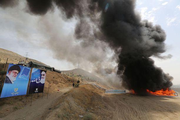 Iranin Teheranissa poltettiin laittomia huumeita.