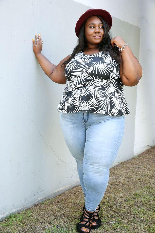 Simonen mielestä kehoaan tulisi rakastaa kehoaan sellaisena kuin se on.