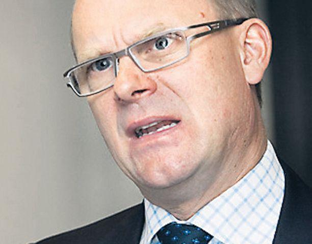 Finnairin toimitusjohtajan Jukka Hienosen mukaan lentoliikennettä odottavat rakennemuutokset.