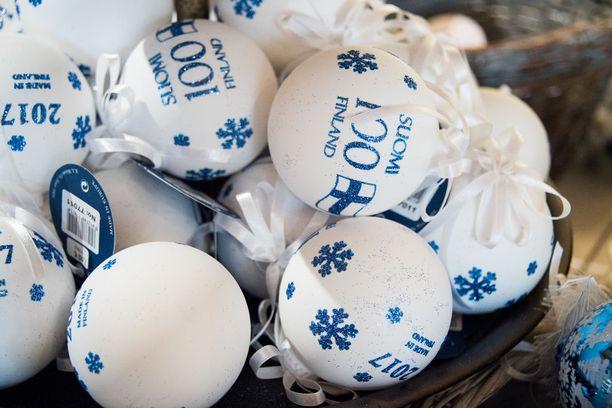Suomi 100 -pallo on valmistettu yrityksen Hangon tehtaalla.