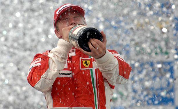 Kimi Räikkönen on yhä viimeisen Ferrarin maailmanmestari.