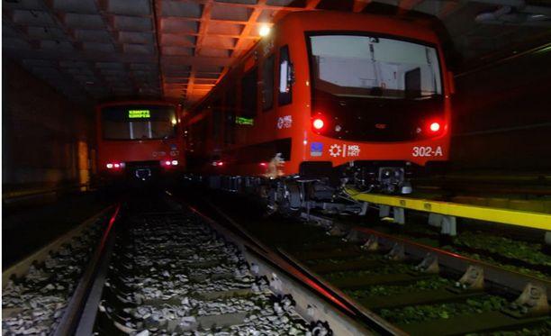 Kahden metrojunan törmäys Itäkeskuksessa heinäkuussa 2016 toi esille puutteita turvallisuudessa.