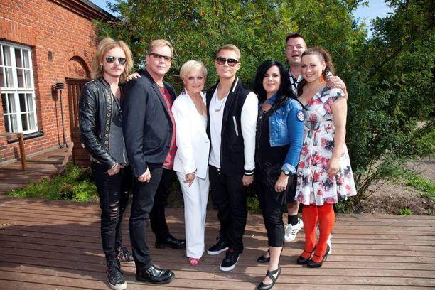 Vain elämää -ohjelmassa ykköskaudella nähtyjä Cheekiä ja Jari Sillanpäätä on pyydetty mukaan uuteen ohjelmaan.