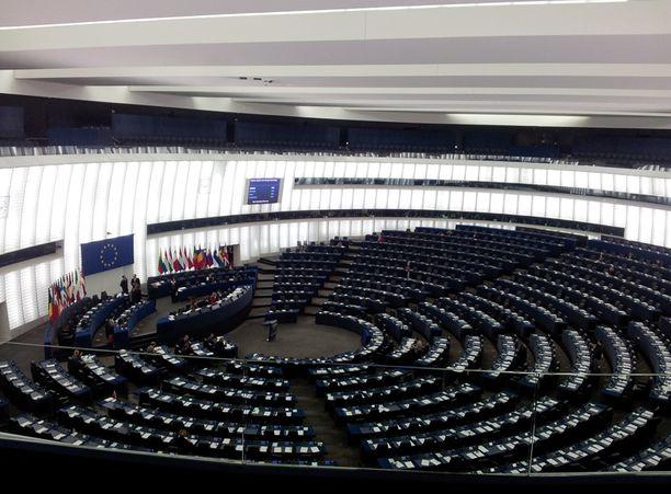 Euroopan parlamentin istuntosali saanee eduskuntavaalien myötä tutustua uusiin suomalaisiin.