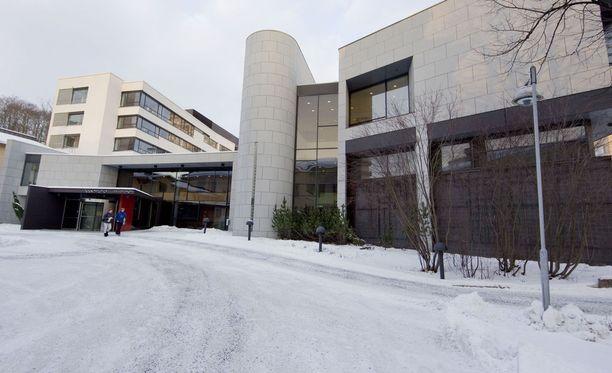 Paraisilla tapahtuneesta raa'asta taposta on luettu syyte Varsinais-Suomen käräjäoikeudessa.