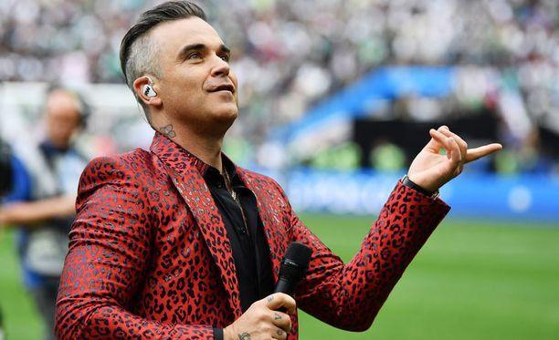 Robbie Wiliamsin esitys Venäjän MM-kisojen avajaisissa aiheutti kohun.