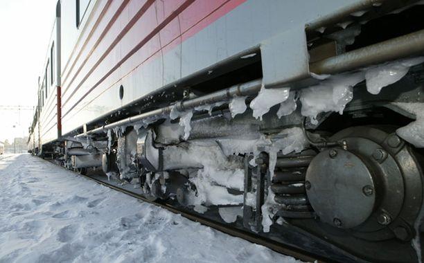 Lumen aiheuttamat häiriöt jatkuvat junaliikenteessä.