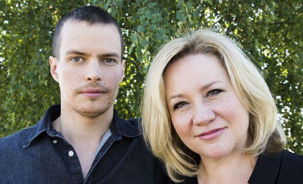 Johannes Holopainen ja Maria Sid ovat viihtyneet kesätöissä Oulussa.