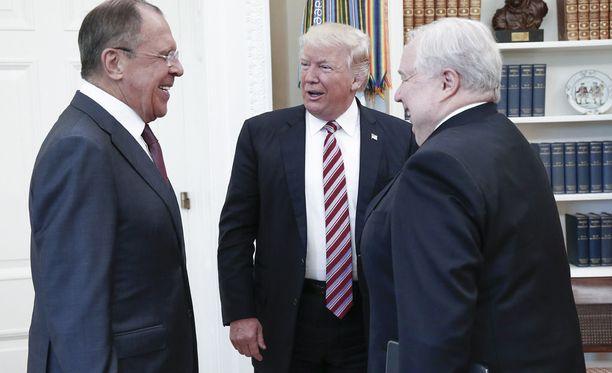Yhdysvaltain presidentti Donald Trump tapasi Venäjän ulkoministeri Sergei Lavrovin ja Yhdysvaltain suurlähettiläs Sergei Kisljakin viime viikolla Valkoisessa talossa.