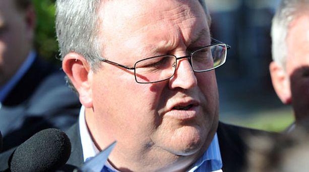Uuden-Seelannin liikenneministeri Gerry Brownlee kuvaili Suomen olevan kehityksestä pahasti jäljessä.