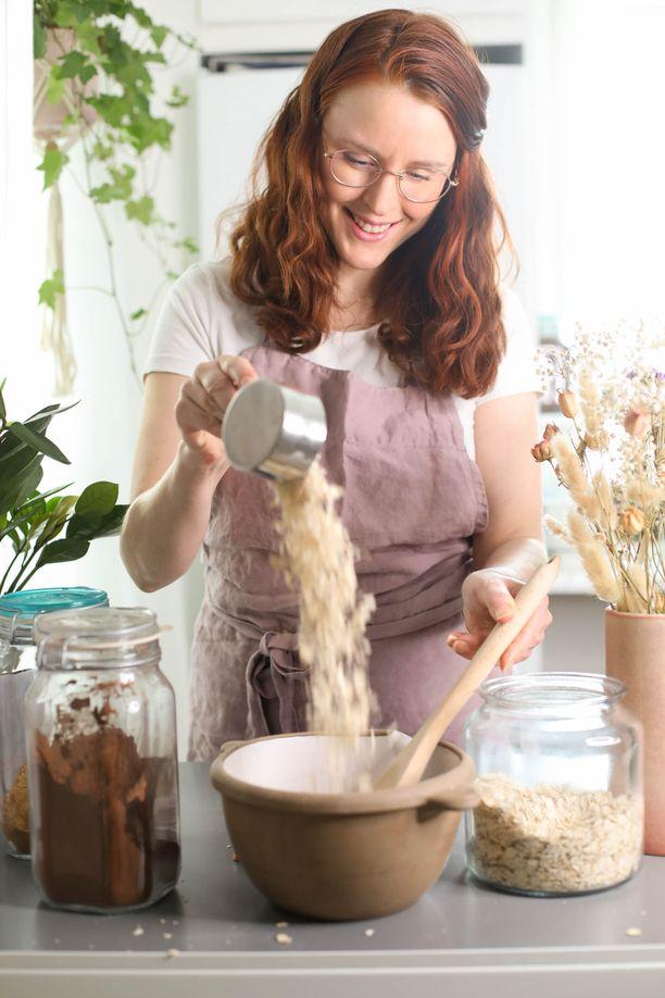 Sanna Hiltunen ideoi reseptikirjan, joka toi 10 ruokabloggaajaa yhteen.